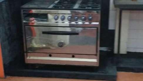 Instalación de la cocina industrial adquirida para el Guazú